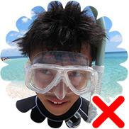 マスクの付け方(×)髪引っかかり